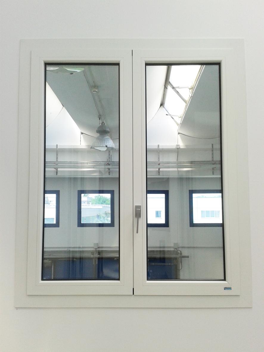 Finestre in alluminio denia serramenti milano monza e brianza - Cerniere per finestre ...