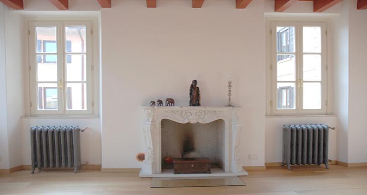 Finestre in legno con inglesina